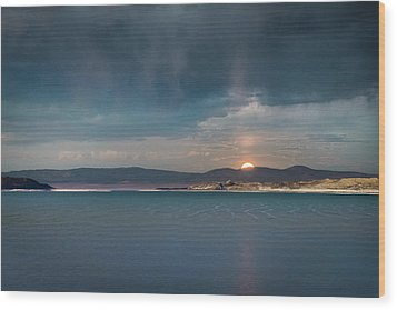 Wood Print featuring the photograph Moonrise At Mono Lake by Alexander Kunz