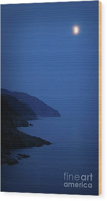 Moonrise Over Vernazza Wood Print by Doug Sturgess