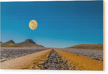 Moonrise Wyoming Wood Print by Don Spenner