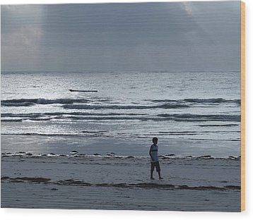 Morning Beach Walk On A Grey Day - Lone Dhow Wood Print
