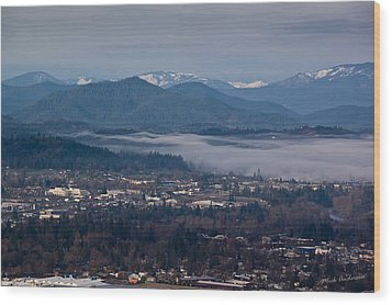 Morning Fog Over Grants Pass Wood Print by Mick Anderson