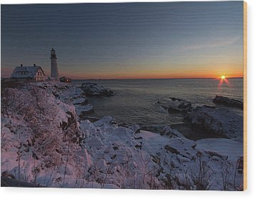 Morning Glow At Portland Headlight Wood Print