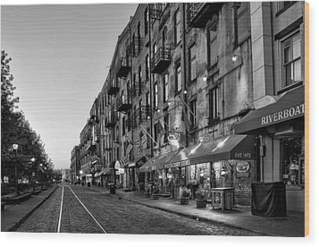 Morning On River Street In Black And White Wood Print by Greg Mimbs