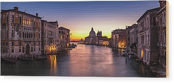 Wood Print featuring the photograph Morning Over Venice by Andrew Soundarajan