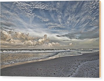Morning Sky At The Beach Wood Print