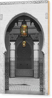 Moroccan Style Doorway Lamps Courtyard And Fountain Color Splash Black And White Wood Print by Shawn O'Brien