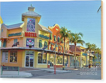 Motel On Fort Myers Beach Florida Wood Print