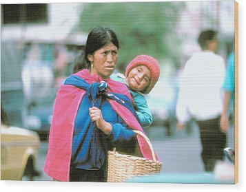 Wood Print featuring the photograph Mother And Daughter Ecuador by Douglas Pike