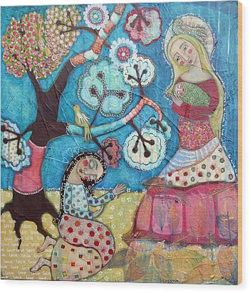 Mother Nature Baby Sweetpea And Mother To Be Wood Print by Julie-ann Bowden