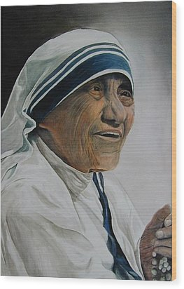 Mother Teresa Wood Print by Dwight Williams