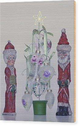 Mr. And Mrs. Santa Claus Wood Print by Quwatha Valentine