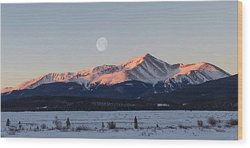 Wood Print featuring the photograph Mt. Elbert Sunrise by Aaron Spong