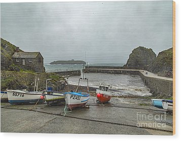 Wood Print featuring the photograph Mullion Cove Harbour by Brian Roscorla