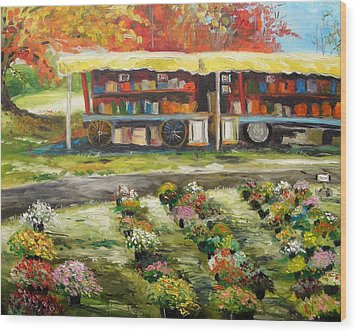 Mums At Market Wood Print by John Williams