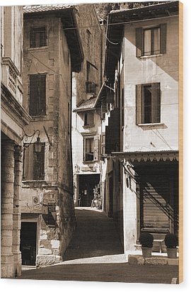 Narrow Streets Of Asolo Wood Print by Donna Corless