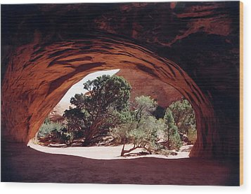Navajo Arch Wood Print by Kathy Schumann