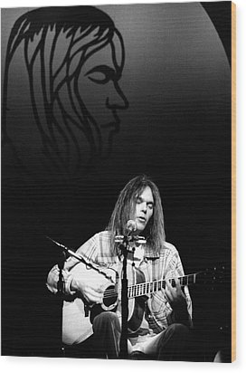 Neil Young 1976 Wood Print by Chris Walter