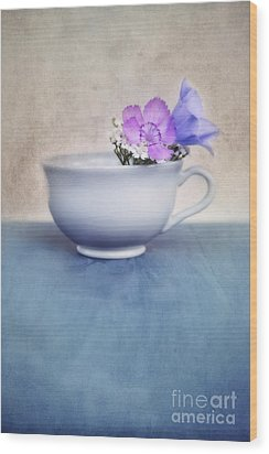 New Life For An Old Coffee Cup Wood Print by Priska Wettstein