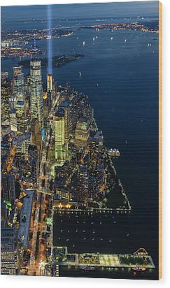 Wood Print featuring the photograph New York City Remembers 911 by Susan Candelario