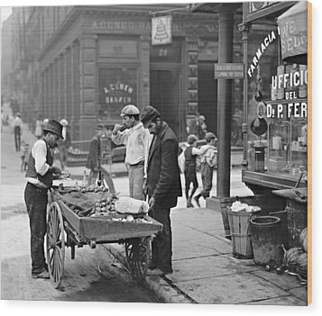 New York Clam Seller In Mulberry Bend 1900 Wood Print by Padre Art