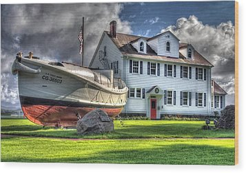 Newport Coast Guard Station Wood Print
