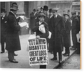Newsboy Ned Parfett Announcing The Sinking Of The Titanic Wood Print by English School