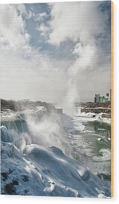 Wood Print featuring the photograph Niagara Falls 4601 by Guy Whiteley