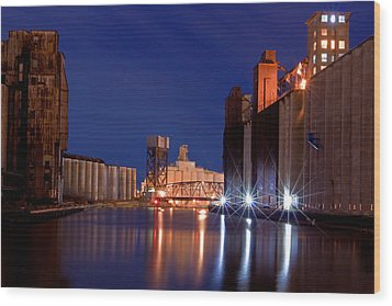 Wood Print featuring the photograph Night At Ohio Street Bridge by Don Nieman