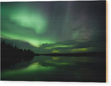 Wood Print featuring the photograph Night Show by Yvette Van Teeffelen