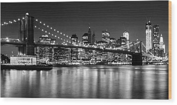 Night Skyline Manhattan Brooklyn Bridge Bw Wood Print