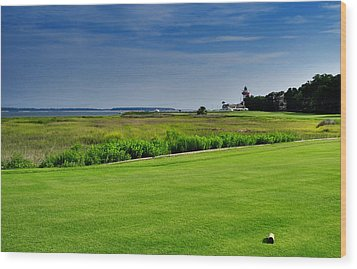 No. 18 At Harbour Town Golf Links Wood Print by Lyle  Huisken