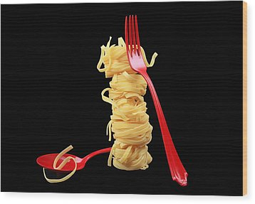 Noodles-pasta Wood Print by Manfred Lutzius