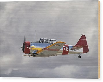 North American Harvard  Vh-nzh Wood Print by Barry Culling