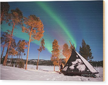Wood Print featuring the photograph Northern Lights By The Lake by Delphimages Photo Creations