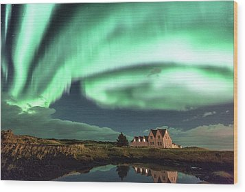 Northern Lights Wood Print by Frodi Brinks