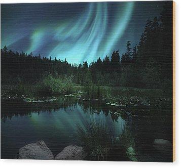 Northern Lights Over Lily Pond Wood Print