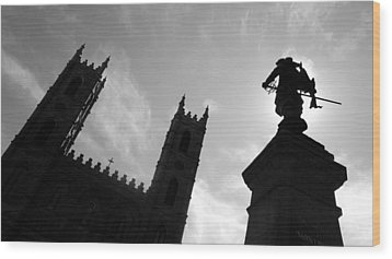 Wood Print featuring the photograph Notre Dame Silhouette by Valentino Visentini