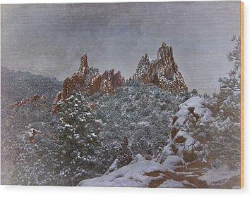 Wood Print featuring the photograph November Snow - Garden Of The Gods by Ellen Heaverlo