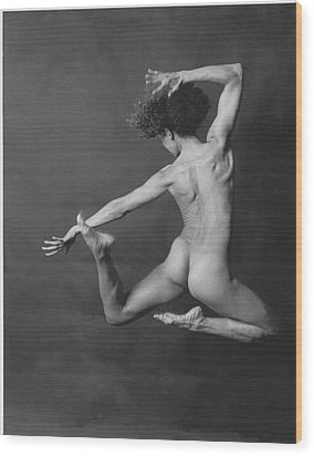Nude Dancer Wood Print by Carmine Scarpa