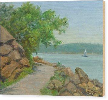 Nyack Trail Along The Hudson Wood Print by Phyllis Tarlow