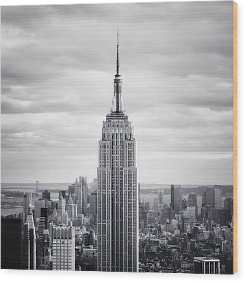 Nyc Empire Wood Print by Nina Papiorek