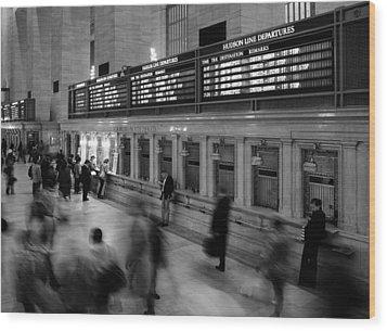 Nyc Grand Central Station Wood Print by Nina Papiorek