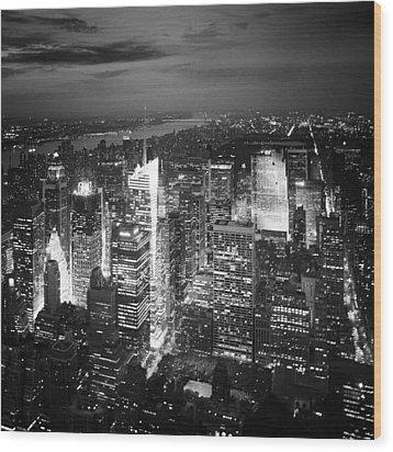 Nyc Times Square Wood Print by Nina Papiorek