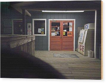 Oak Island Nc Pier Wood Print by Robert Ponzoni