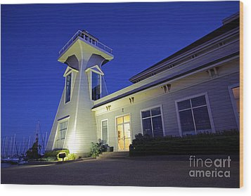 Oakville Lighthouse Wood Print by Charline Xia