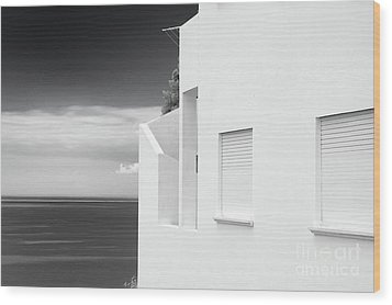 Ocean View White House Wood Print