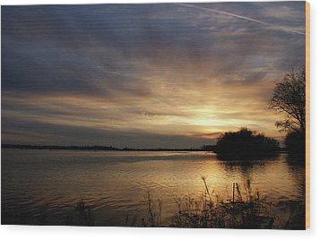 Ohio River Sunset Wood Print by Sandy Keeton