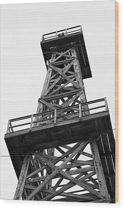 Oil Derrick In Black And White Wood Print