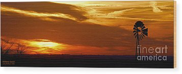 Wood Print featuring the photograph Oklahoma Sunset by Larry Keahey