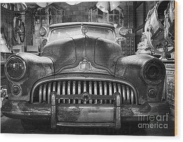 Ol' Buick Eight Wood Print by Dean Harte